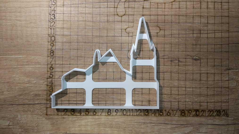 Formička Obrysy kostola a domčeka